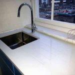 White quartz worktops – modern or traditional design